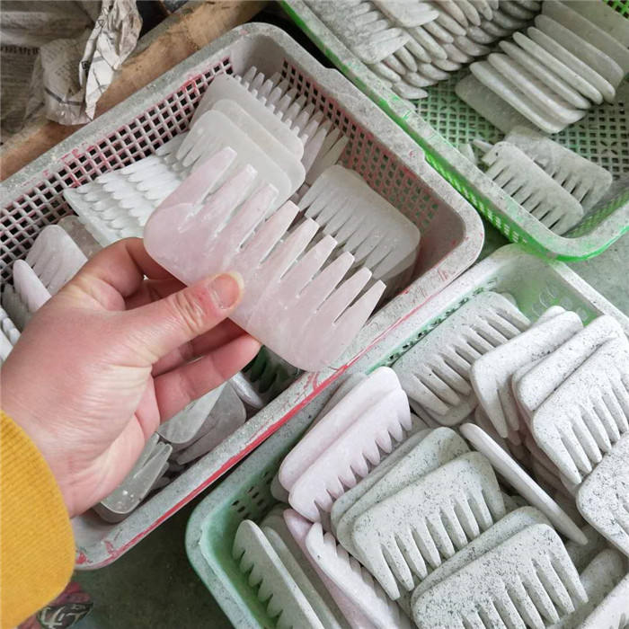 Natural rose quartz crystal carving comb , wholesale crystal comb for sale or gift ,The factory will order the size