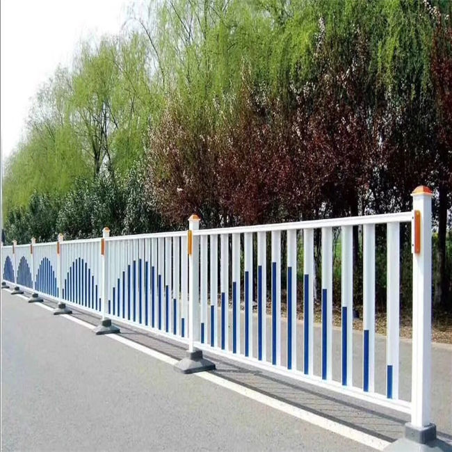 High quality powder coated temporary fence hot dipped galvanized road security barrier for road Insulation and transportation