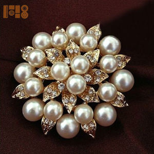 New Product Pearl Rhinestone Crystal Vintage Flower Brooch with Pin Brooches