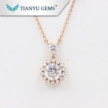 Tianyu Luxury 18k Rose Gold Women jewelry set 14kt Colorless Moissanite Diamond Charm Necklace for party