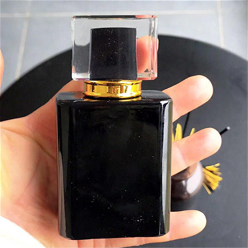 2019 New Style Glass Square Crystal Spray Perfume Bottle 50ml