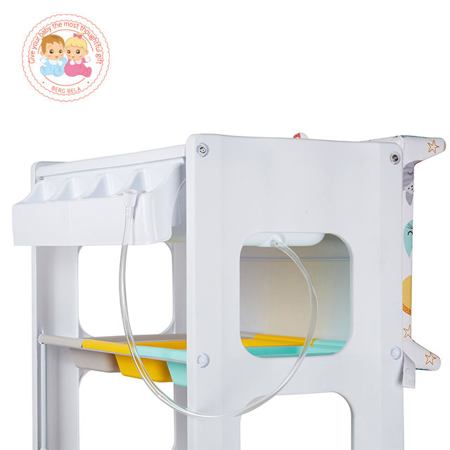 baby bathtub and changing tableMultifunctional baby changing table