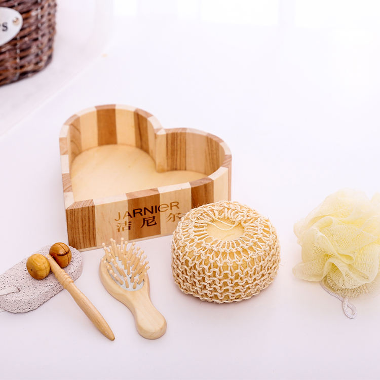 Luxury and lovely health personal body care natural wooden heart box bath gift set