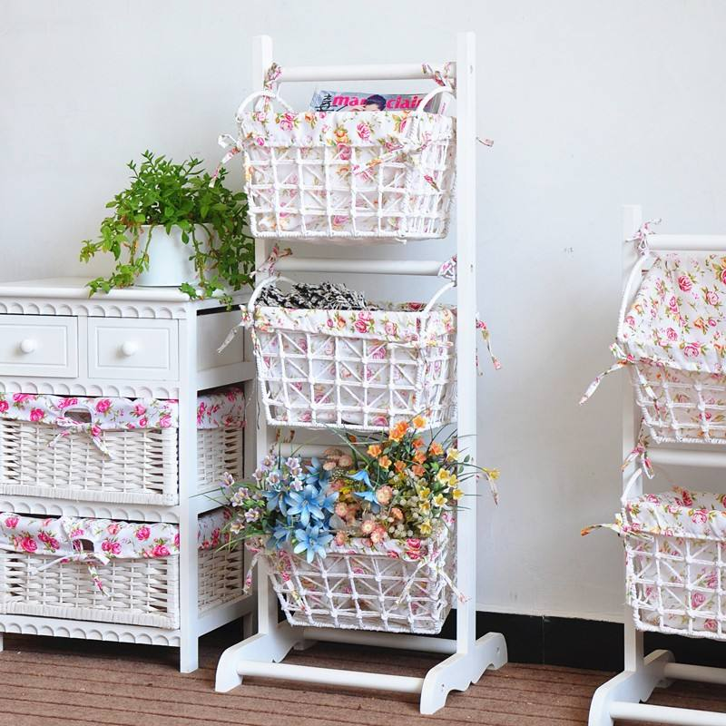 Assembly wooden shelf with woven baskets for magazine