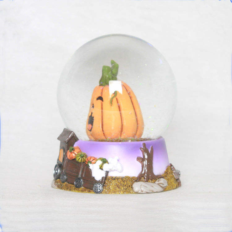 China supplier handmade halloween snow globe