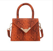New Design Chic Leather Snakeskin Mini Handbags Women Purse Fashion Handbags For Ladies 2019
