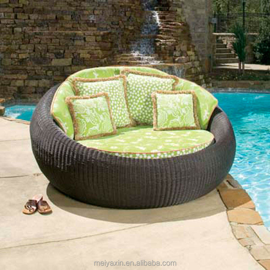 Outdoor garden patio daybed rattan wicker sun lounger chaise lounge
