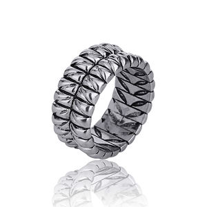 Wholesale Brand high quality Men Motorcycle Tire Texture Ancient Silver O Rings Men's fashion luxury metal key ring