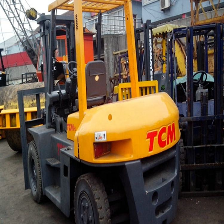 Good Condition Used TCM 8 ton Diesel Forklift FD80 For Sale in Philippines