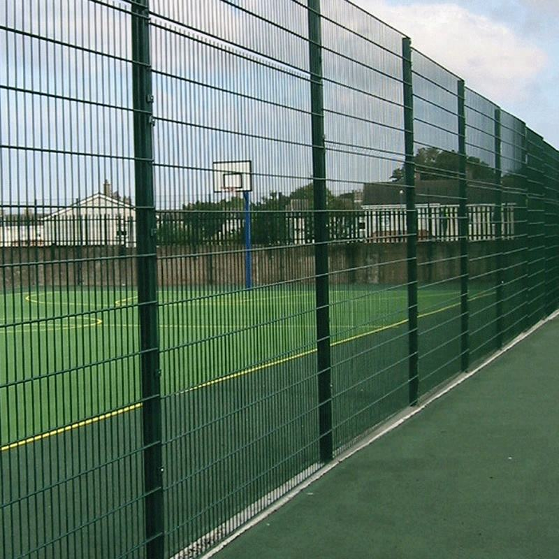 Green vinyl welded wire mesh airport fence