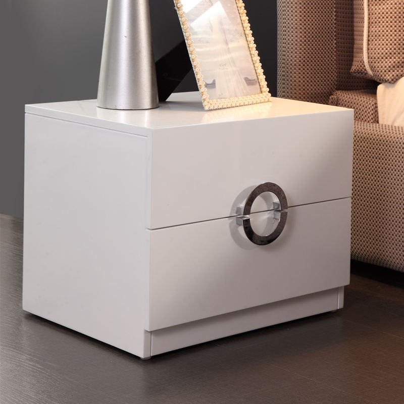 New design white glossy bedside table with metal handle stock night stand