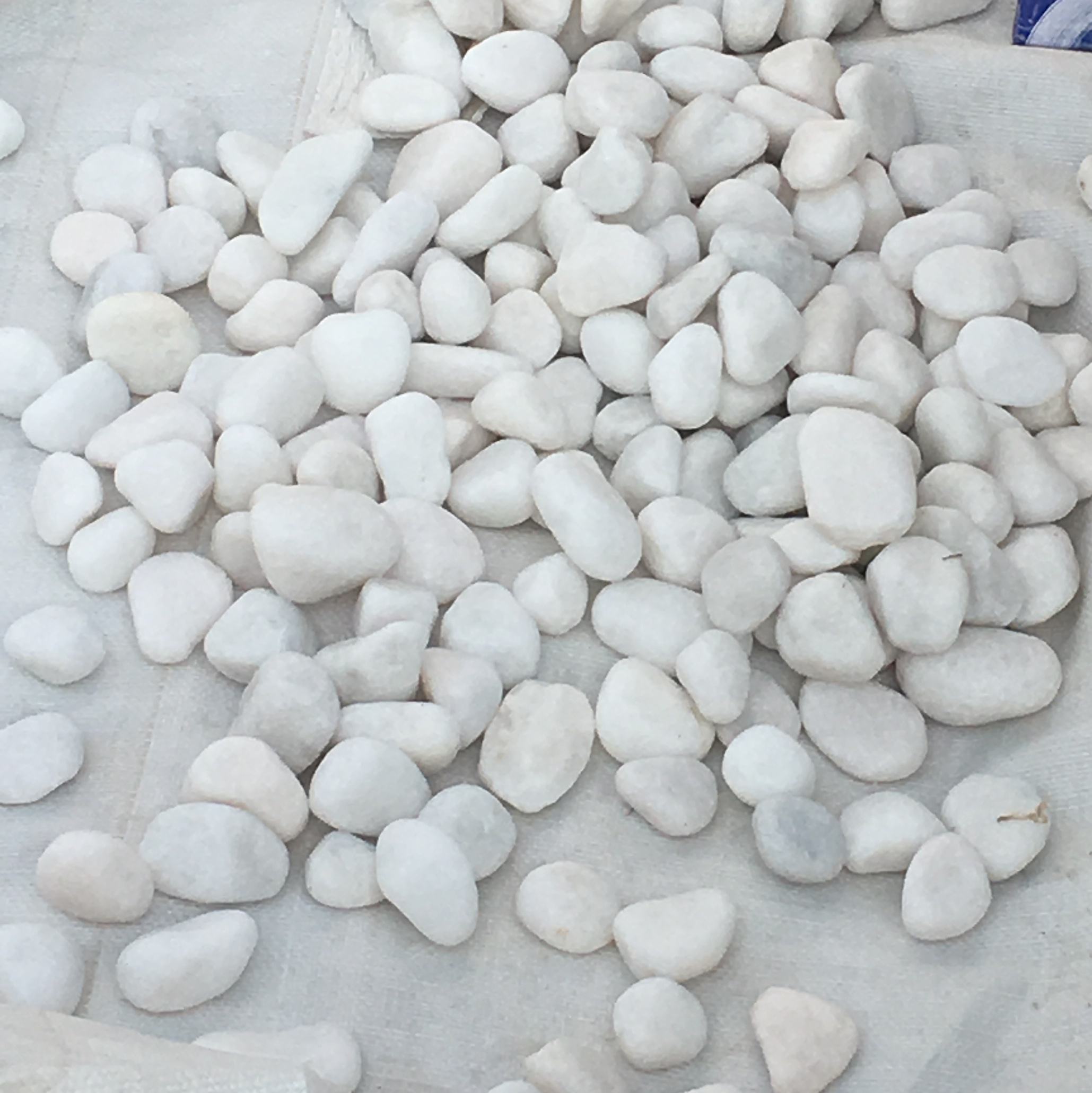 white river rock polished pebbles smooth tumbled pebble