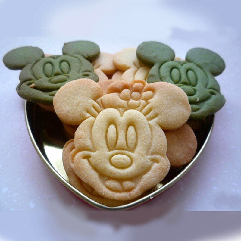 plastic mickey mouse shaped cookie cutter