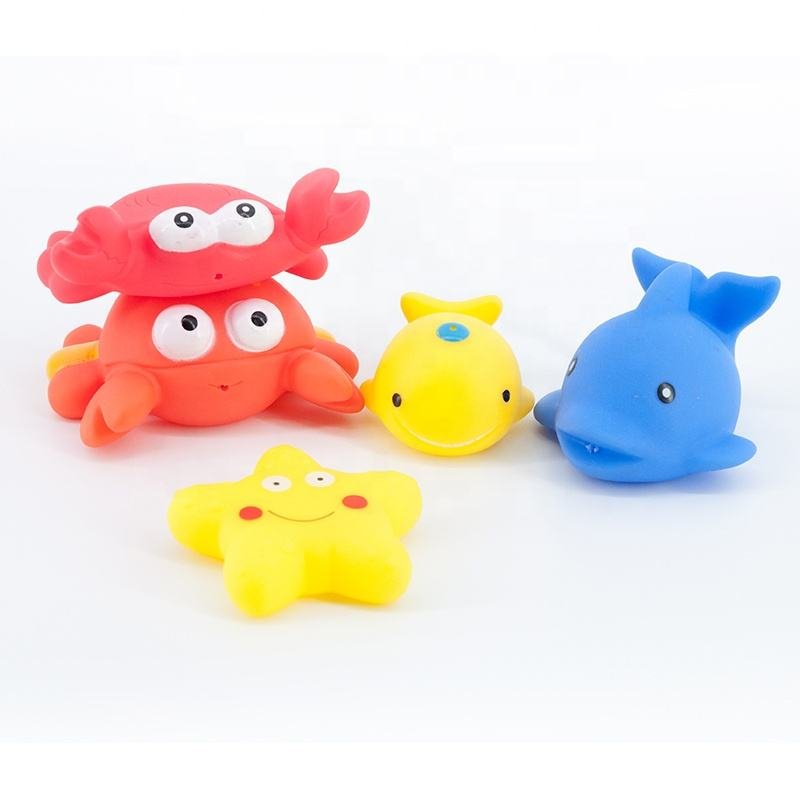 Wholesaler sea animal floating squirt crab starfish shark and whale rubber bath toys