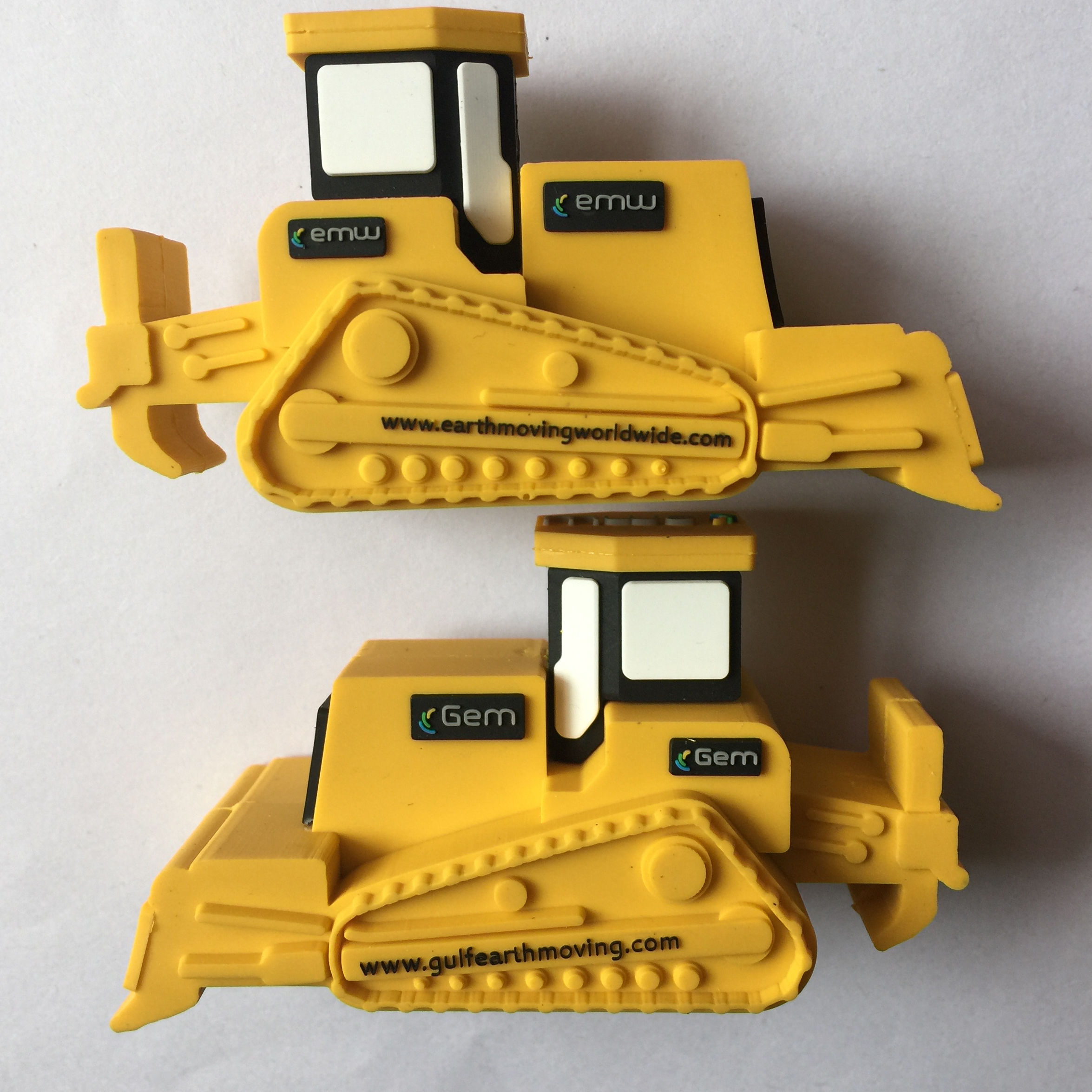 Construction company promotional gifts bulldozer shape usb flash drive Customized bulldozer usb usb flash drive bulldozer