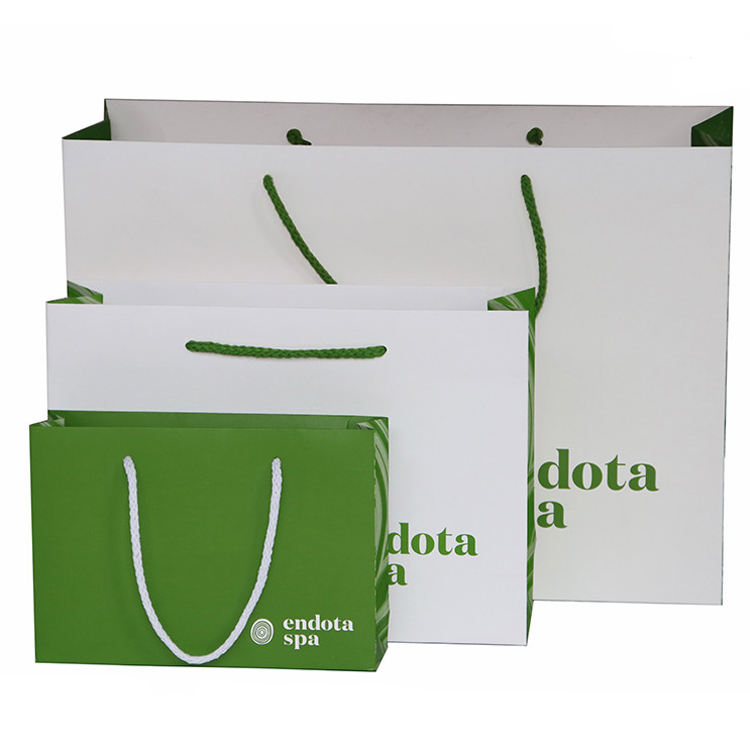New Arrival Packaging Paper Gift Bag Wholesale Customized Elegant White Paper Bag For Clothing Packaging