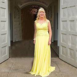 Elegant O Neck A Line Yellow Lace and Chiffon Long Mother of The Groom Dresses