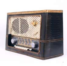 Mettle High Quality German Style Normandy Vintage Antique Iron Crafts Home Decoration Handmade Retro Radio Model