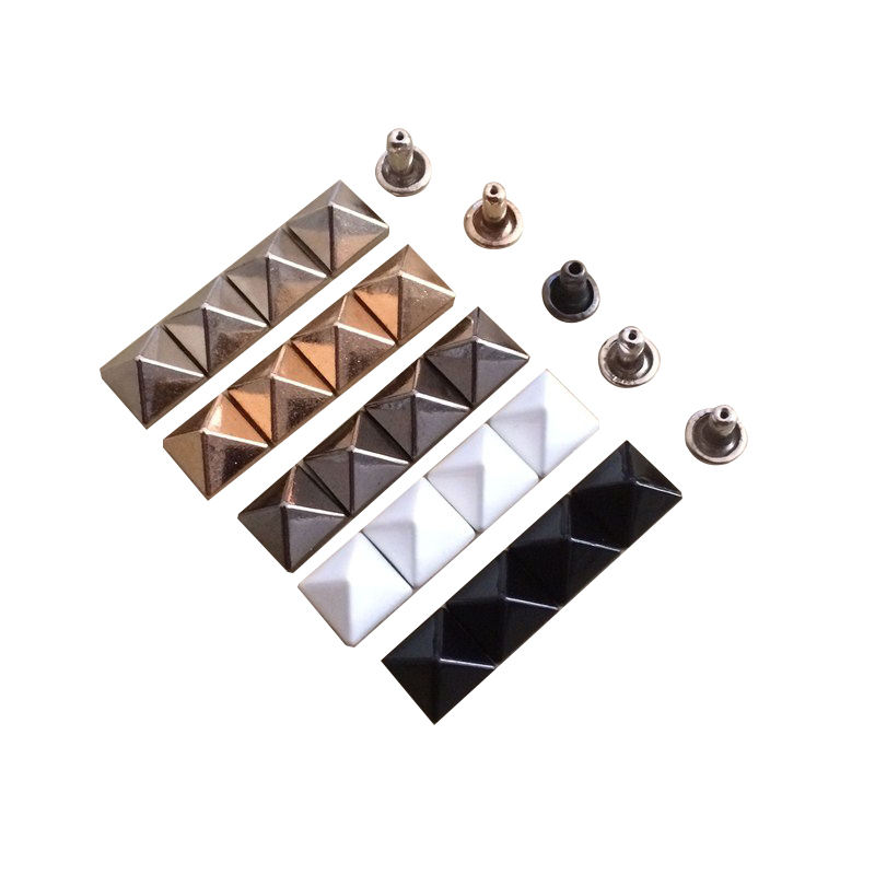 Factory Direct Supply Good Price Custom Metal Pyramid Rivet for Bag Clothing