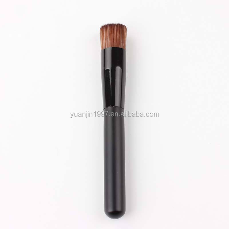 2017 New Fashion Profesional Wajah Cair Yayasan Makeup Brush