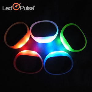 Party items waterproof motion sensor led silicon wristbands bracelets led light silicon wristband colorful led wristband