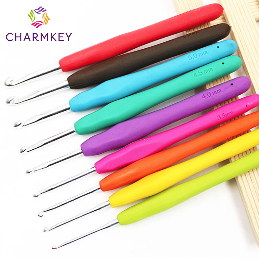 Charmkey Crochet Hook Set TPR Soft Handle Aluminum Needle for Crochet and Hand Knitting