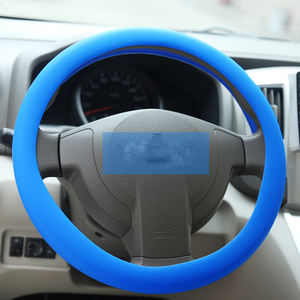 New Arrival Custom-Made plush hand sewing heat resistant silicone steering wheel cover