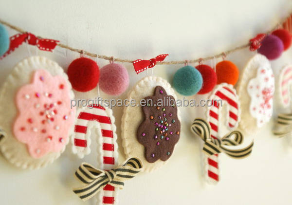 2018 new handmade candy cane ornament wall craft home gift wholesale decoration felt hang wool ball artificial Christmas garland