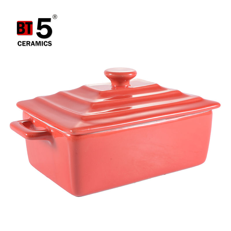 Ceramic deep custom made baking pans with lid
