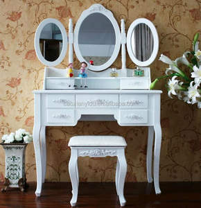Bedroom Dressing Table with 3 movable mirrors /Schminktisch mit Hocker