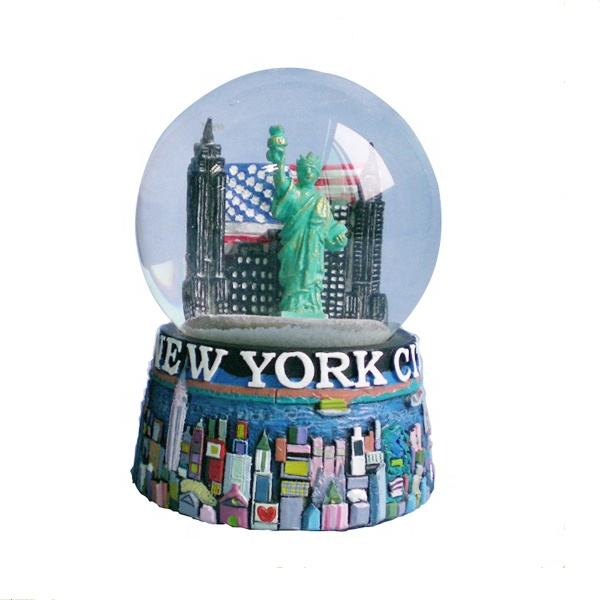 custom holiday decoration resin new york souvenir gift water snow globe with the Statue of Liberty