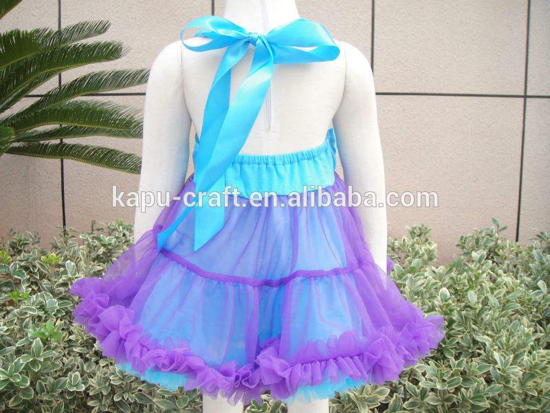 冷凍エルザプリンセスドレス背中が大きく開い、 smockedpettiドレス
