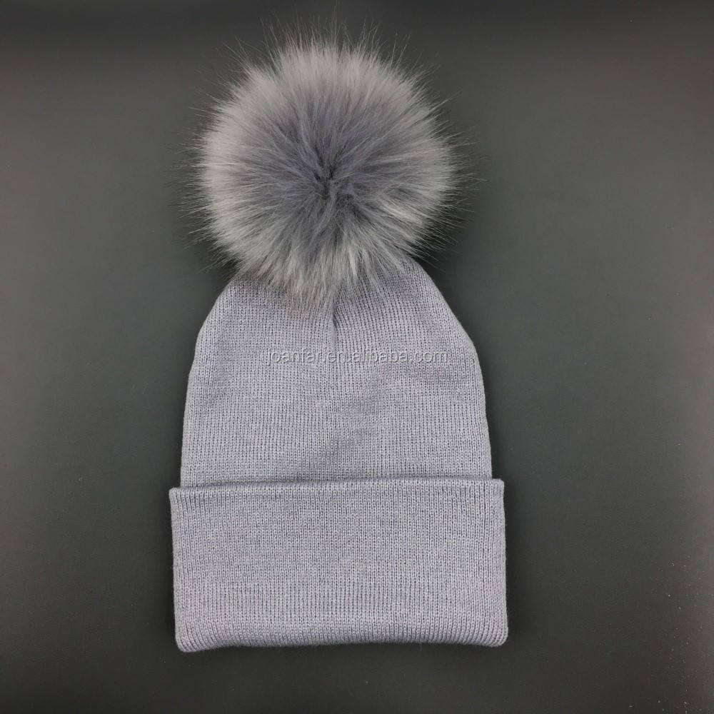 Wholesale Faux Fox Fur Pom Poms Ball Woman Knitted Hat Beanies Winter Hat