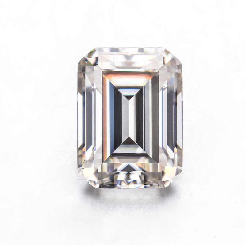 China Cheap Bulk 1 Carat 5*7mm Clear White Gemstone Loose Diamond Synthetic Emerald Cut Moissanite