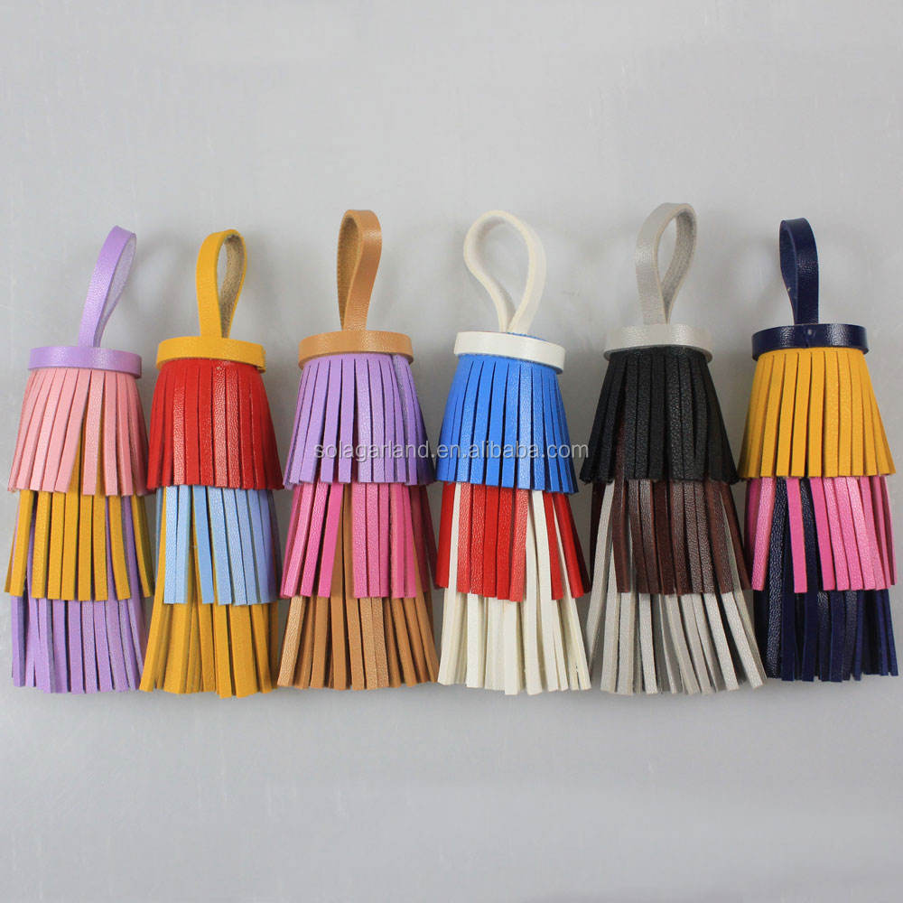 Handmade Charm 132*45mm Long Colorful Faux Leather Tassel Keychain PU Tiered Tassel for Women Handbag Christmas Ornaments