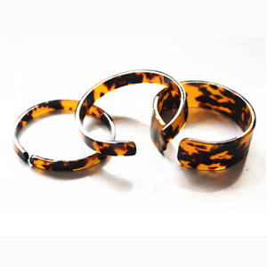 Fashion thin tortoise shell cellulose acetate resin acrylic cuff bracelet customized various size available