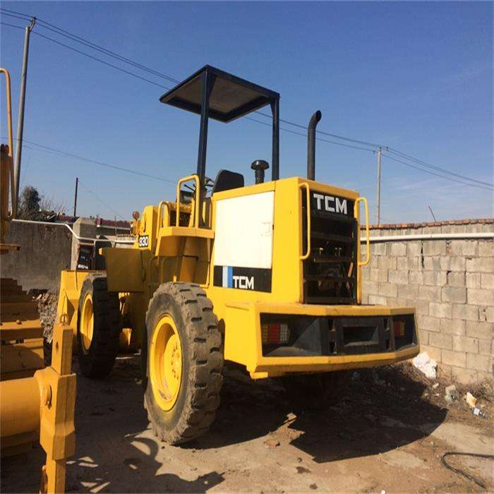 cheap used wheel loader TCM 830 for sale in shanghai