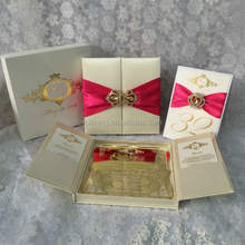 hot sale luxury silk box wedding invitation cards with ribbons and rhinestone brooches