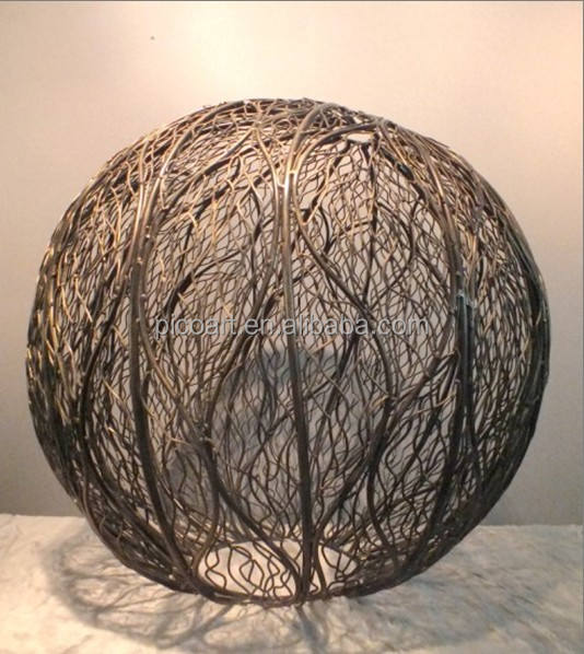 Custom Modern Welded Metal Iron Wire Outdoor Garden Sculptures for Sale