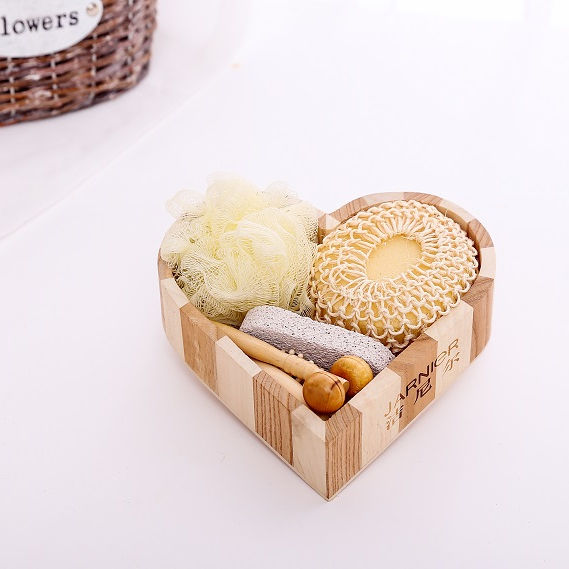 Luxury and lovely wooden heart box bath gift set