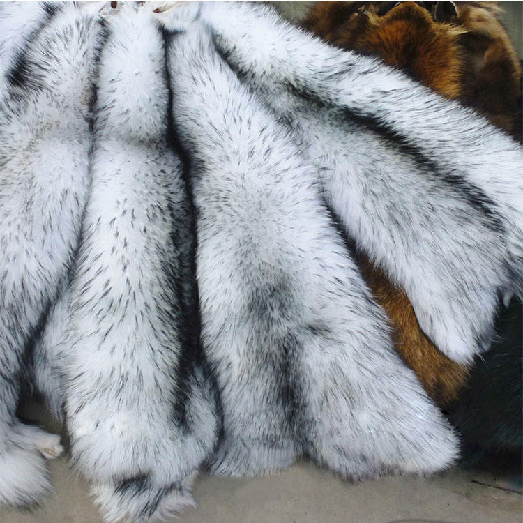 Wholesale Good Natural Color Dyed White Raccoon Real Raw Fur Skin Plate
