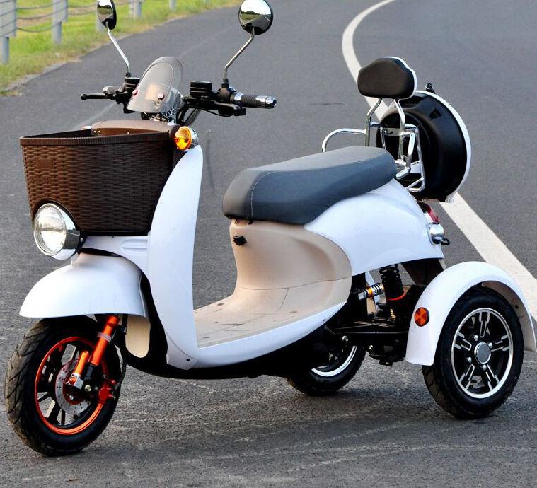фото зарубежных трехколесных скутеров найду