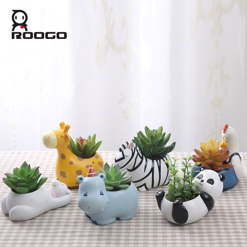 Roogo resin animal panda shape plants flower pots