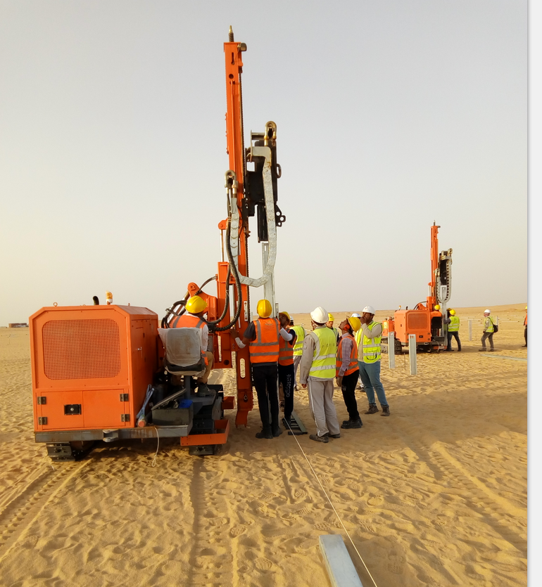 Hydraulic hammer pile driver solar ramming Piling machine for solar project