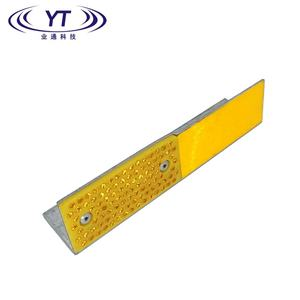 YT Highway Flexible Guardrail Driveway Bridge Reflector Delineator with High Brightness