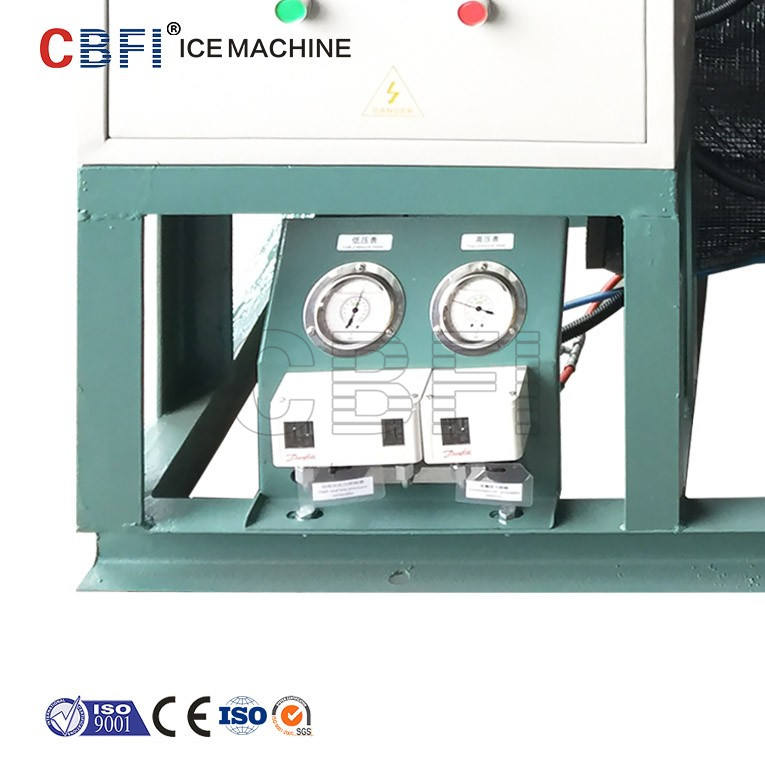 Guangzhou factory containerized mobile ice machine plant to make block ice