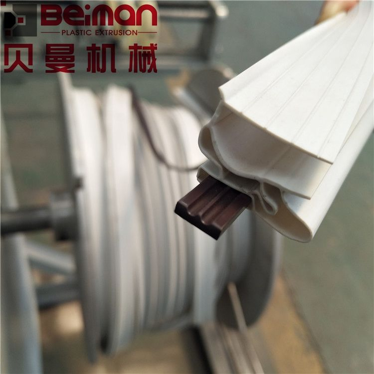 PVC soft seal making machine for refrigerator door gasket strips profile extrusion line good price with single screw extruder