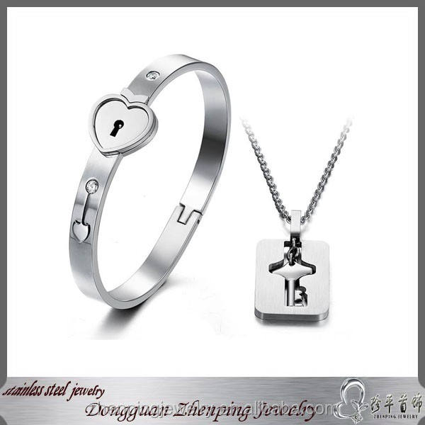 2015 trendy crazy selling customized heart lock bracelet and key pendant