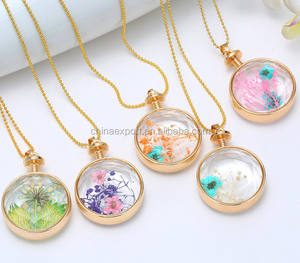 Wholesale Golden Real Dried Flower Floating Charm Locket Pendant Necklace
