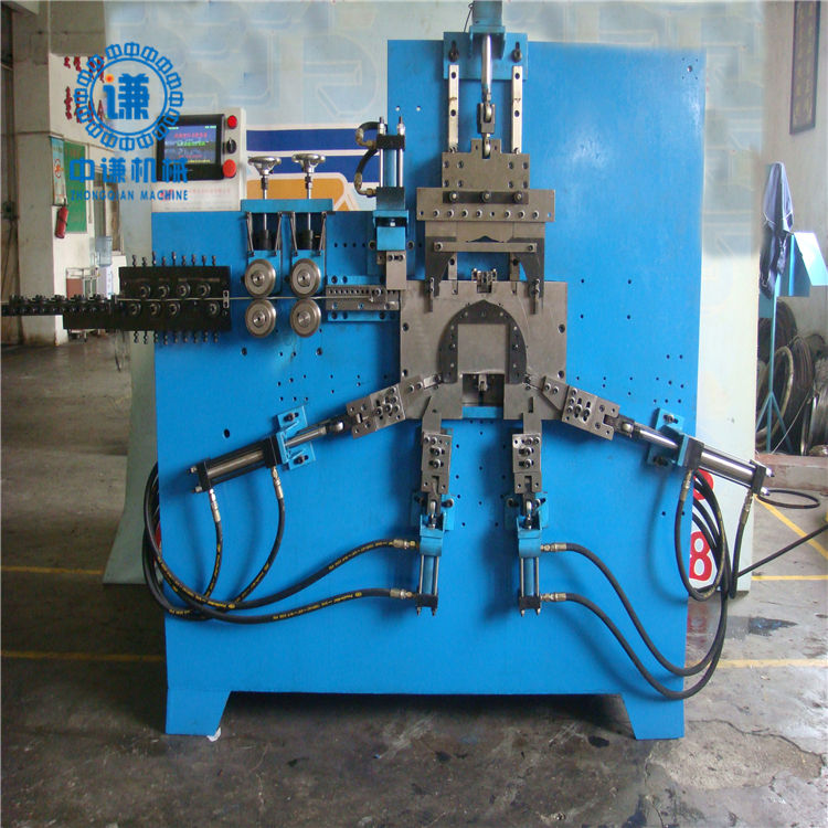 Automatic wire bucket handle machine